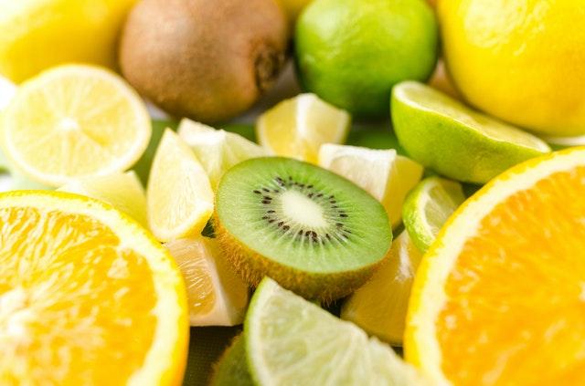 kiwi, pomeranč, citrón